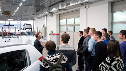 Программы «Ты - предприниматель» посетили один из дилерских центров ГК «Автошина»